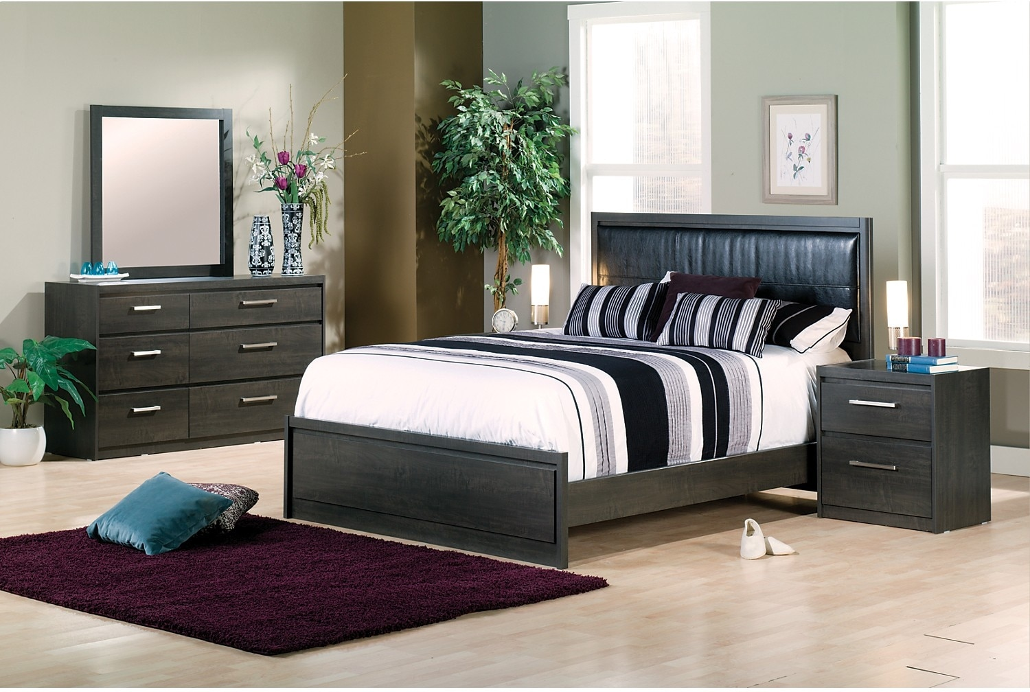 Bedroom Furniture - Lydney 5-Piece Queen Bedroom Package