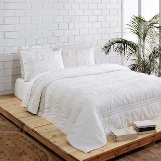 Valentine Porcelain White Queen Set -  1 Quilt & 2 Shams